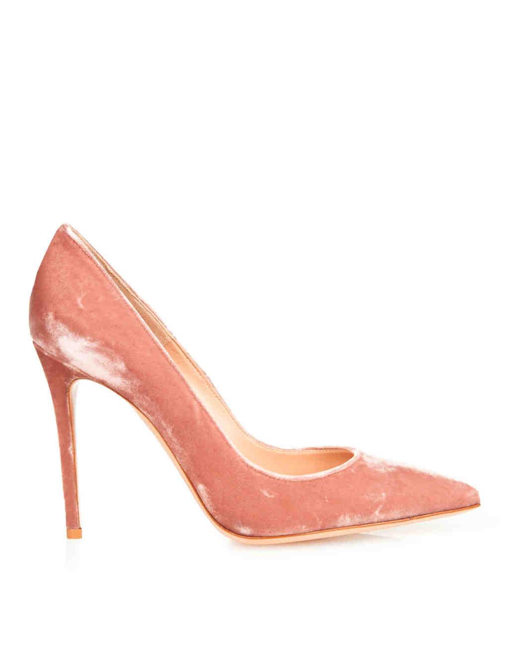 closed-toe-wedding-shoes-gianvito-rossi-matchesfashion-1215.jpg