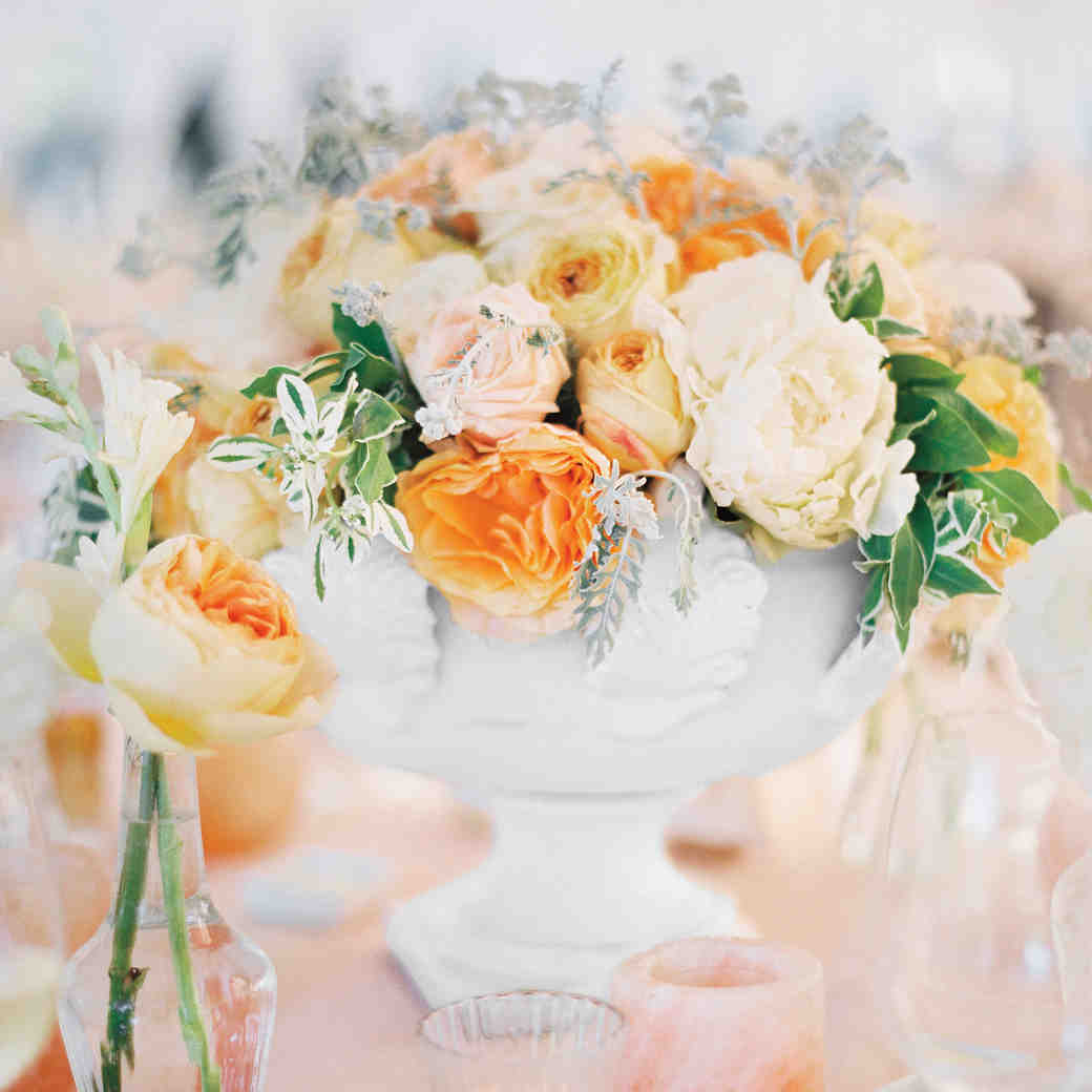 23 Totally Chic Vintage Centerpieces