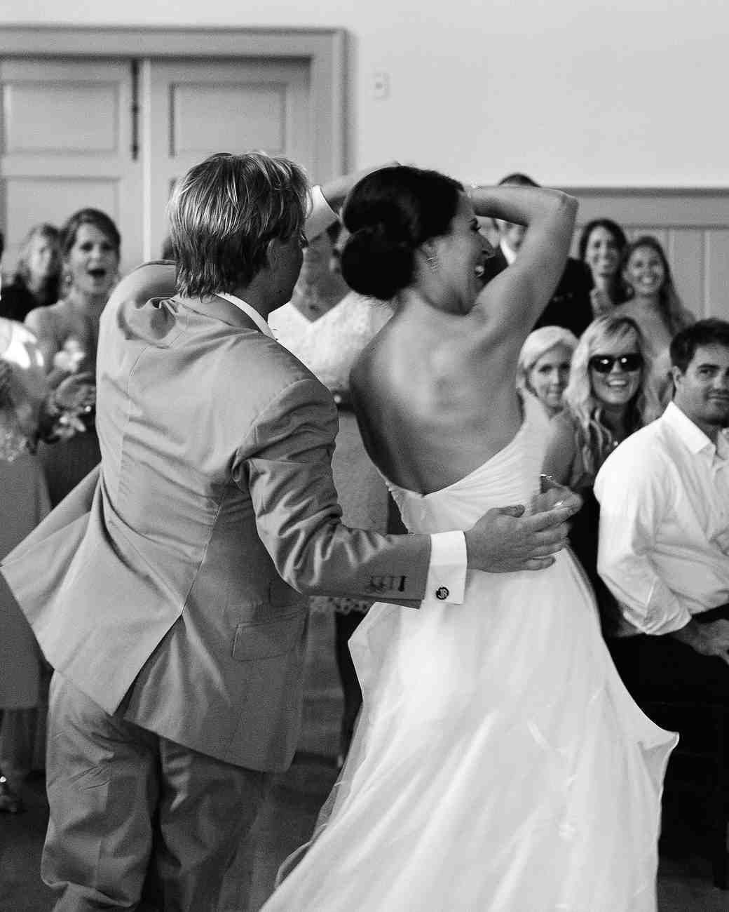 rachel-jurrie-nautical-wedding-firstdance-0931-s112778-0416.jpg
