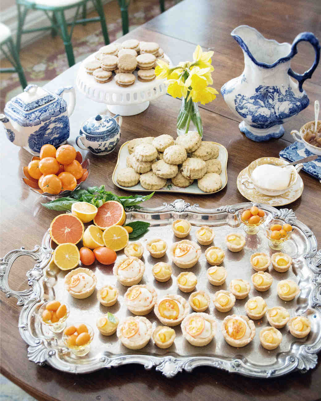 scavenger-hunt-bridal-shower-mini-quiches-macarons-tea-0315.jpg