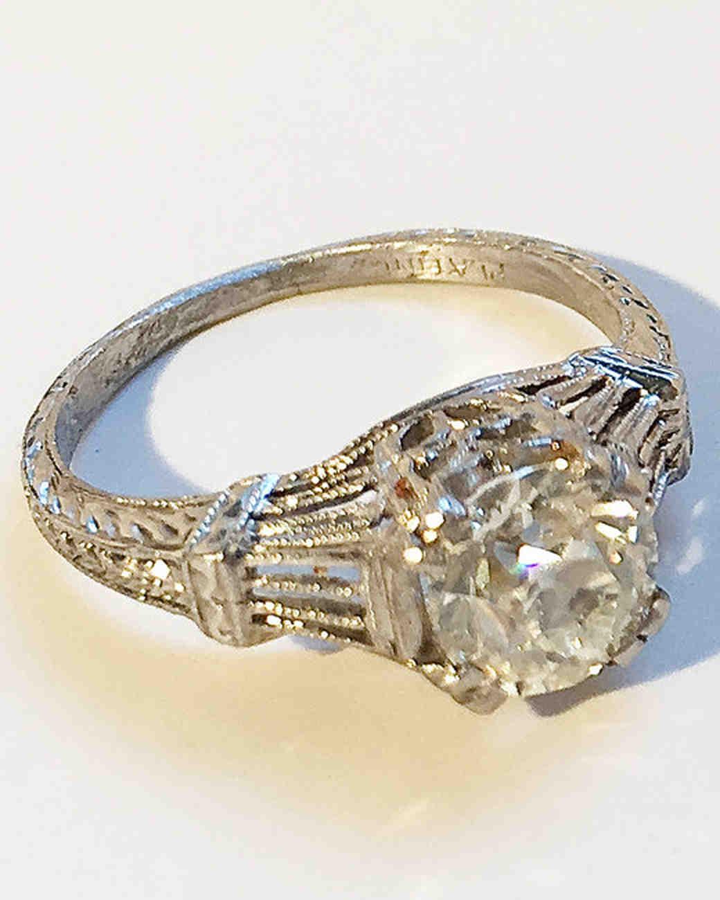 47 stunning vintage engagement rings martha stewart weddings for Art craft engagement rings