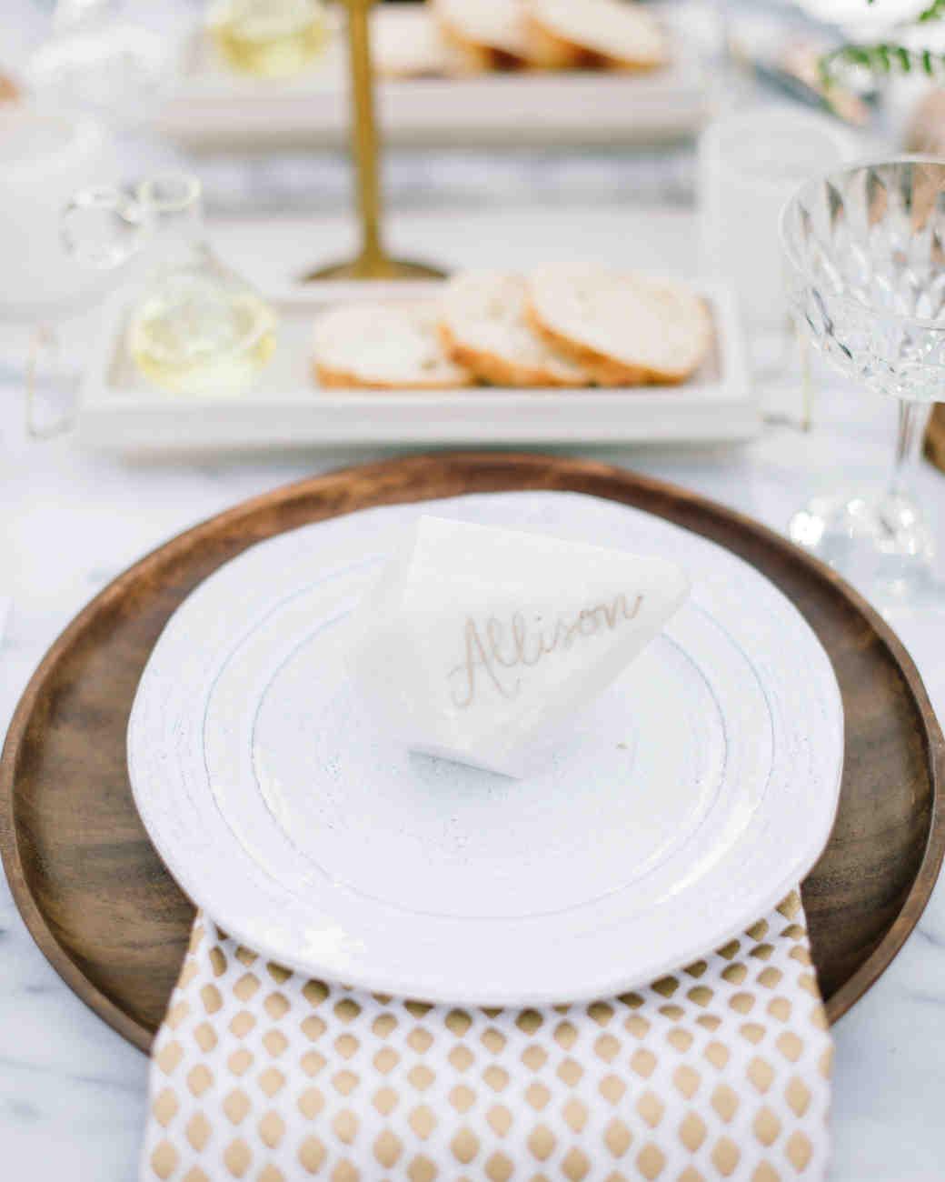 carlie-gabe-table-setting-reception-101dm1-4634-s111570-0515.jpg