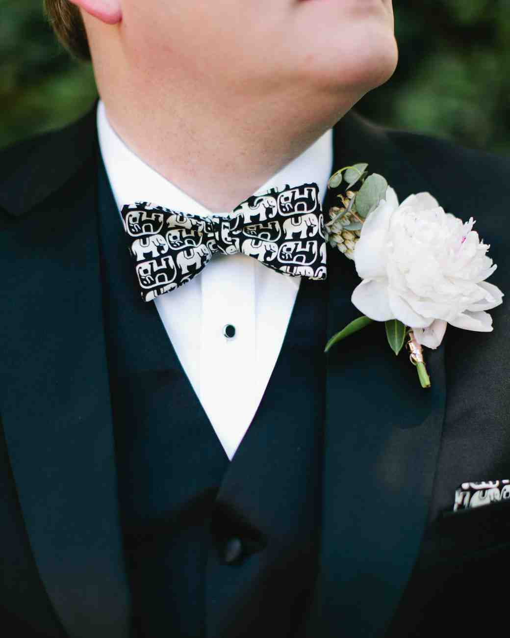 holly-john-wedding-texas-boutonniere-bowtie-034-s112833-0516.jpg