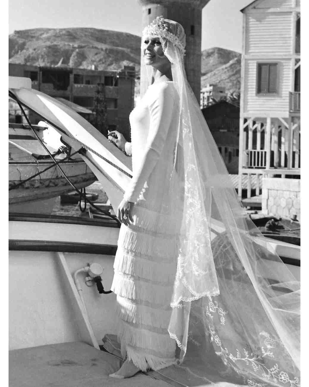movie-wedding-dresses-boulevard-du-rhun-brigitte-bardot-0316.jpg