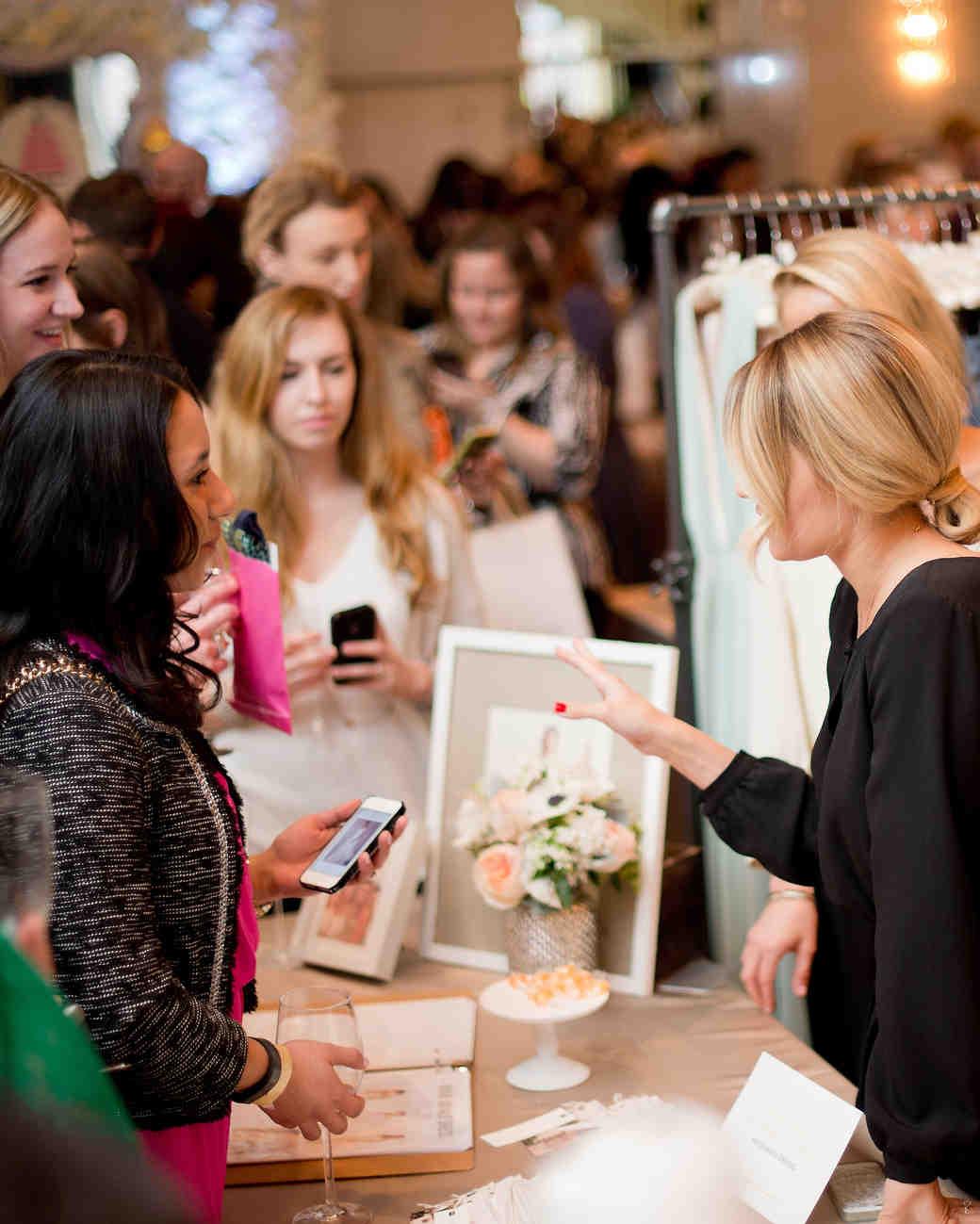 msw-chicago-party15-081-lauren-conrad-talking-to-brides-0315.jpg