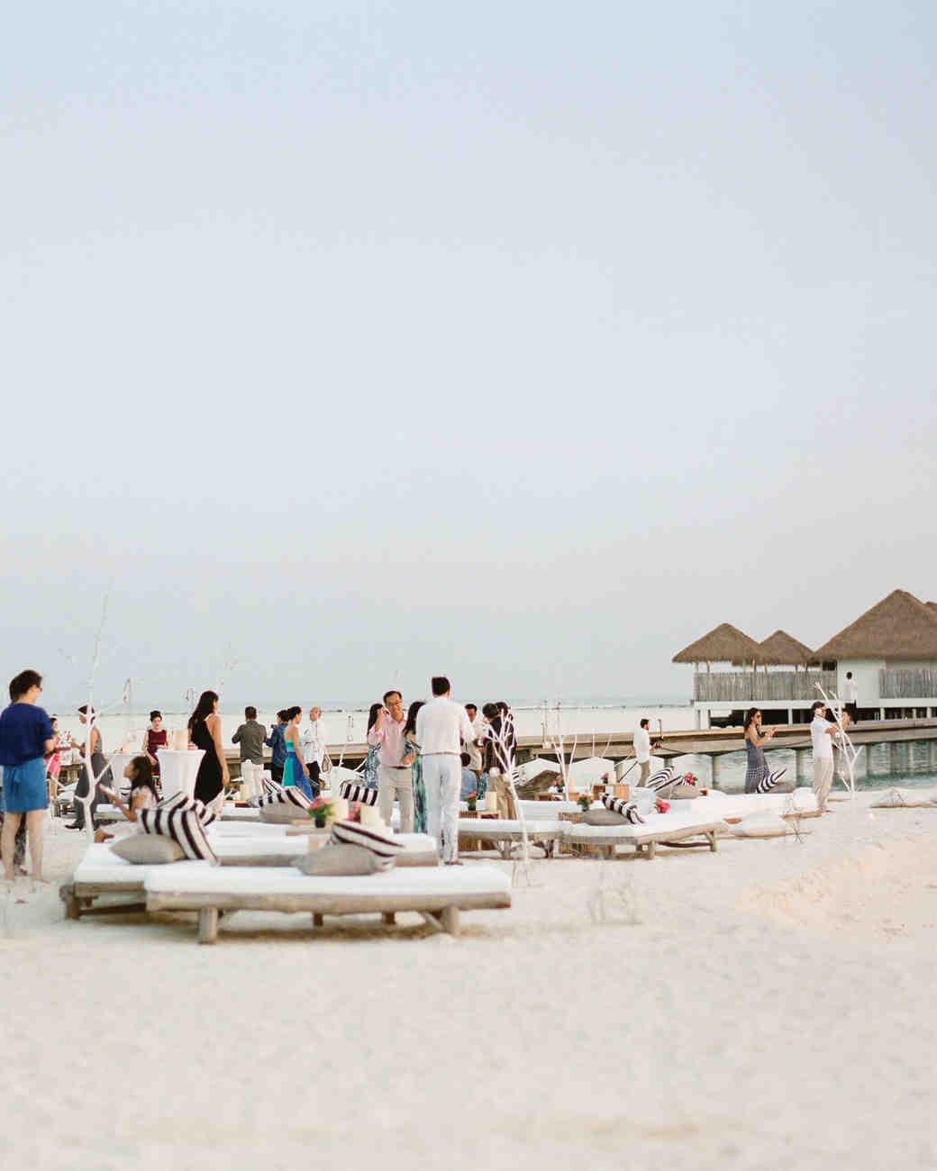 peony-richard-wedding-maldives-reception-guests-0698-s112383.jpg