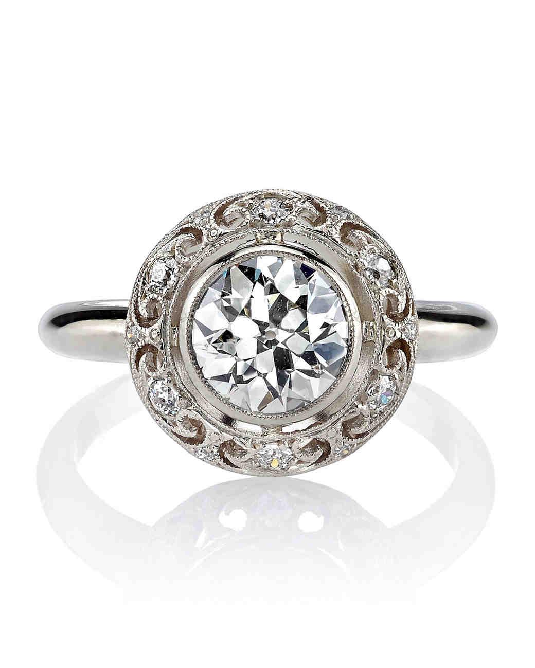 Single Stone White Gold Engagement Ring