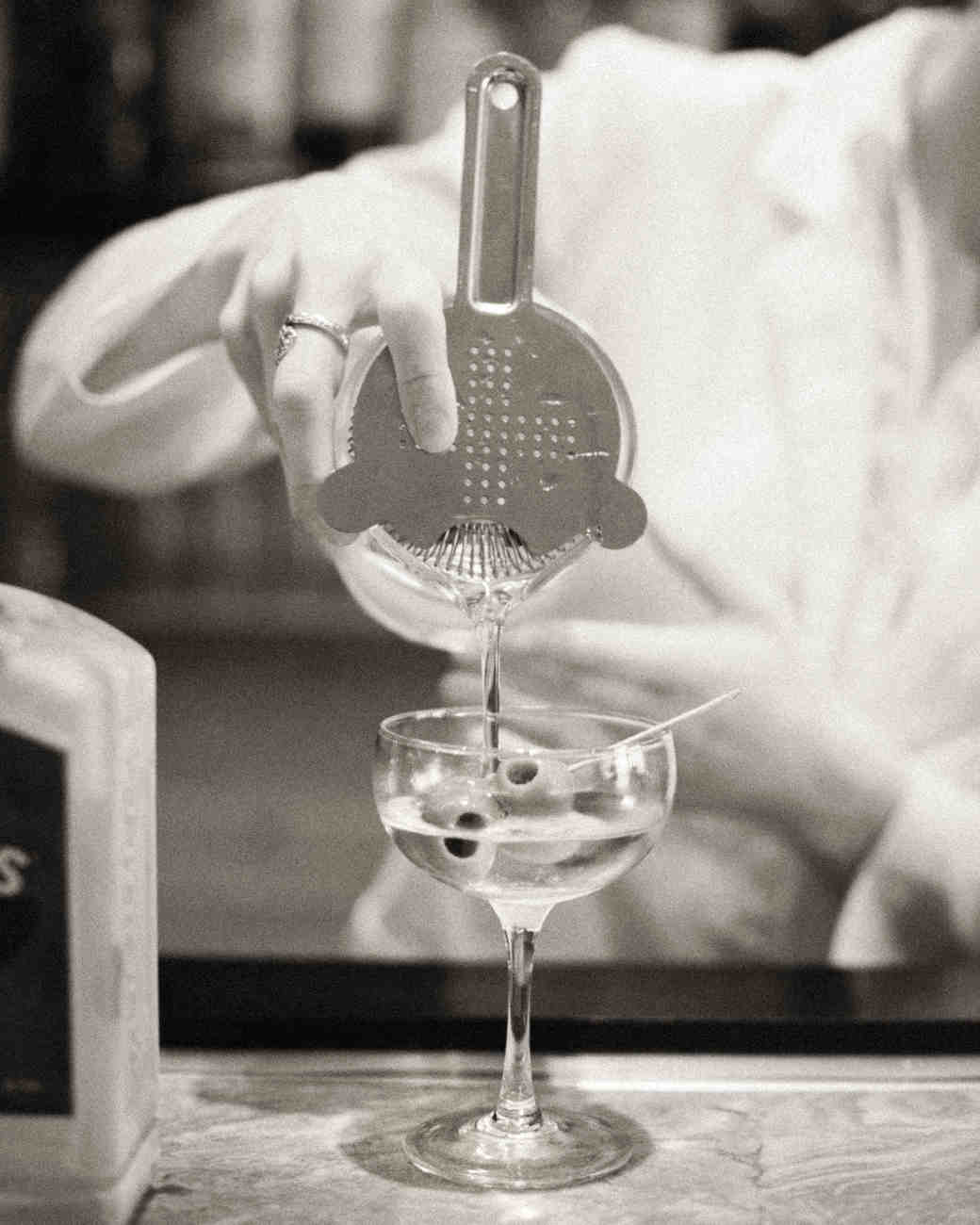 m-expert-advice-mix-up-cocktails-gettyimages-595914767-s112893.jpg