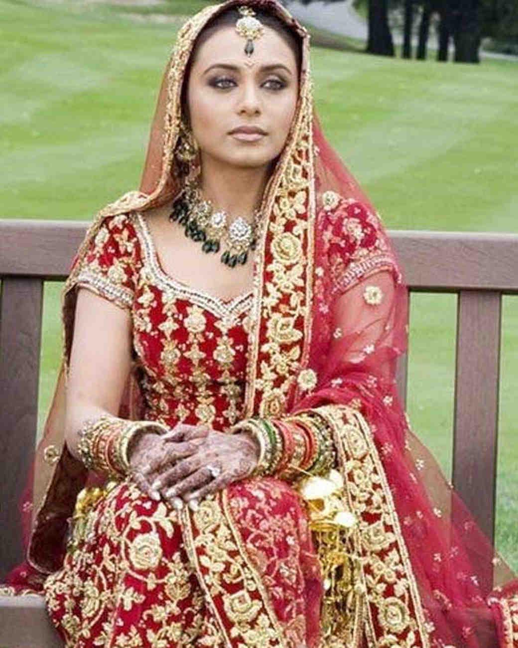movie-wedding-dresses-kabhi-alvida-naa-kehna-rani-mukerji-0316.jpg