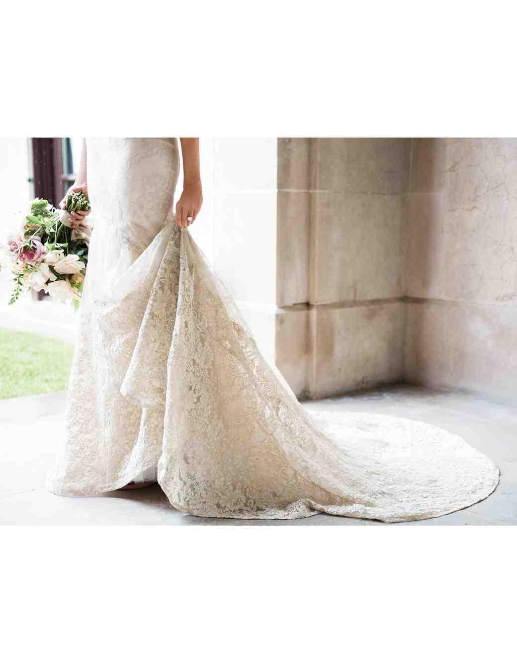 rebecca-david-wedding-new-york-bride-dress-details-141-d112241.jpg