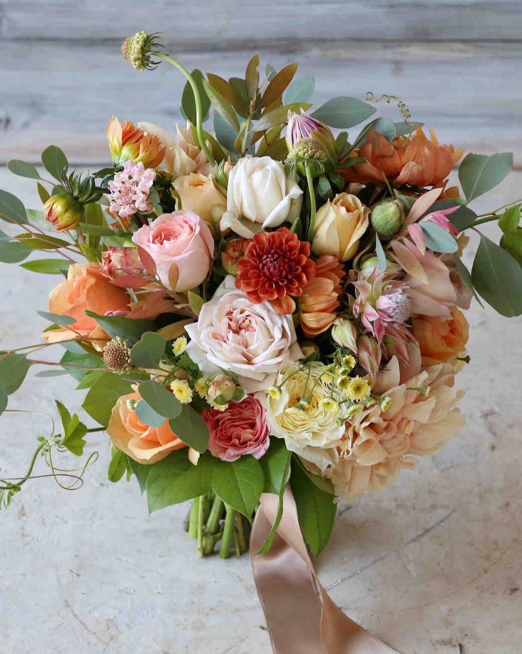 11 In Season Flowers That Are Perfect for a Fall Wedding