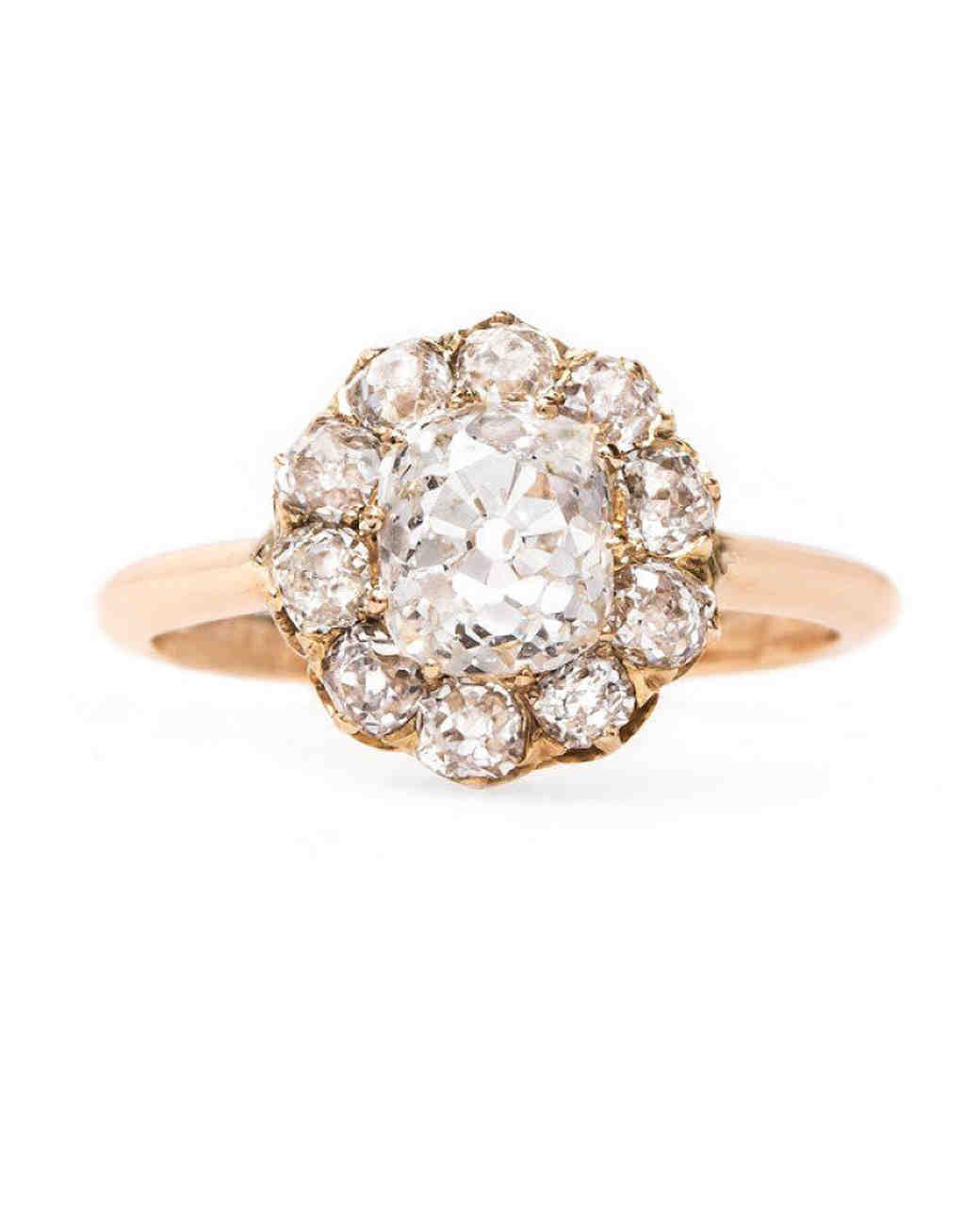 Trumpet & Horn Cushion-Cut Diamond Engagement Ring with Halo on Rose Gold Band