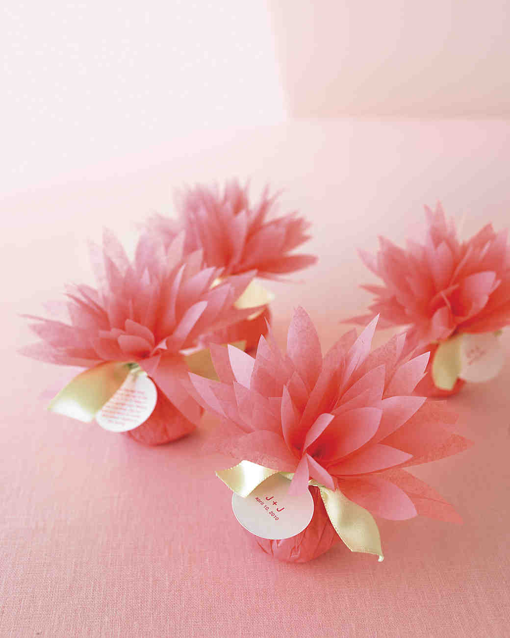 diy-bridal-shower-favors-dahlia-paper-candy-packaging-sp10-0515.jpg