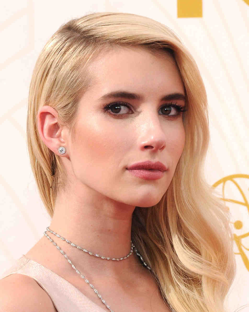 celebrity-wedding-makeup-emma-roberts-gettyimages-489407932-0915.jpg