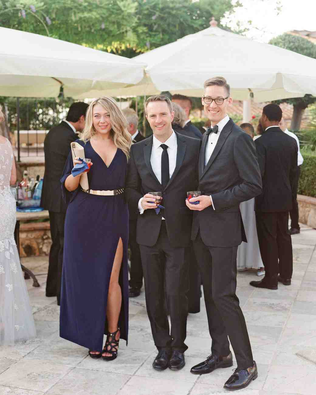 dennis-bryan-wedding-italy-guests-cocktail-hour-071-0559-s112633.jpg