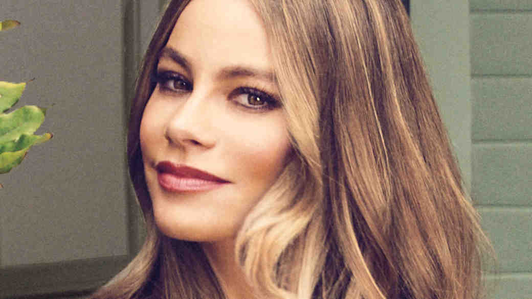 How to Get Sofia Vergara's Lovely Lilac Wedding Makeup Look