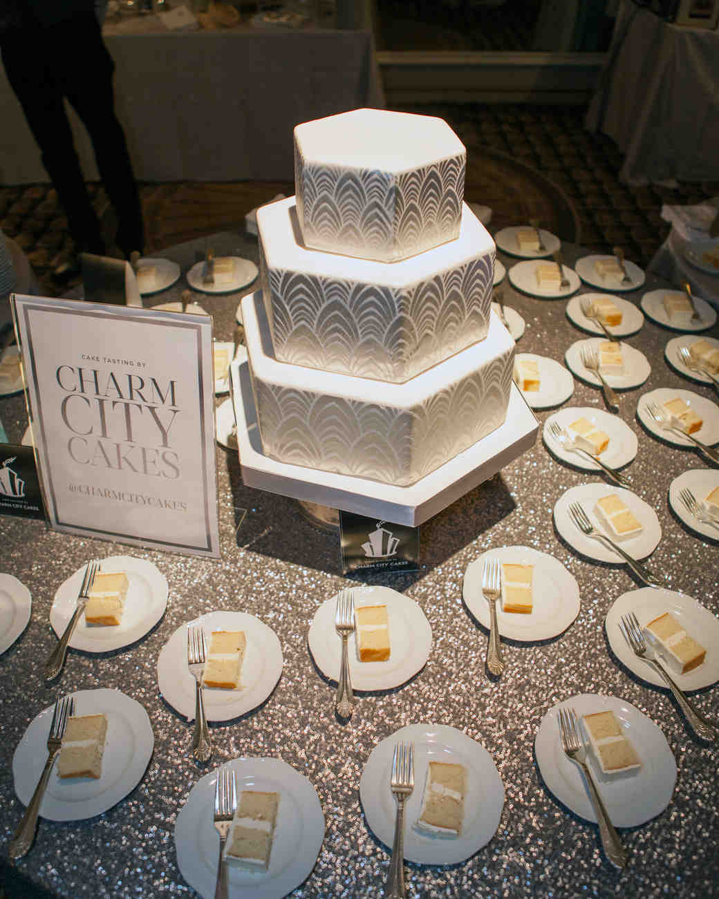 bridal-party-fall-2014-vendor-details-charmcitycakes-img-8258-1014.jpg