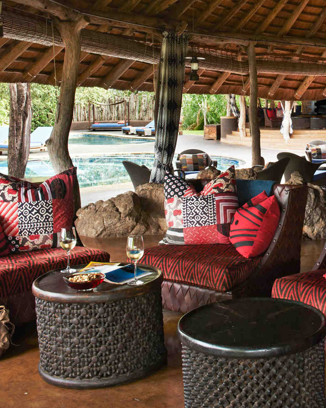 singita-pamushana-lodge-africa-wedding-venue-welcome-cocktails-0815.jpg