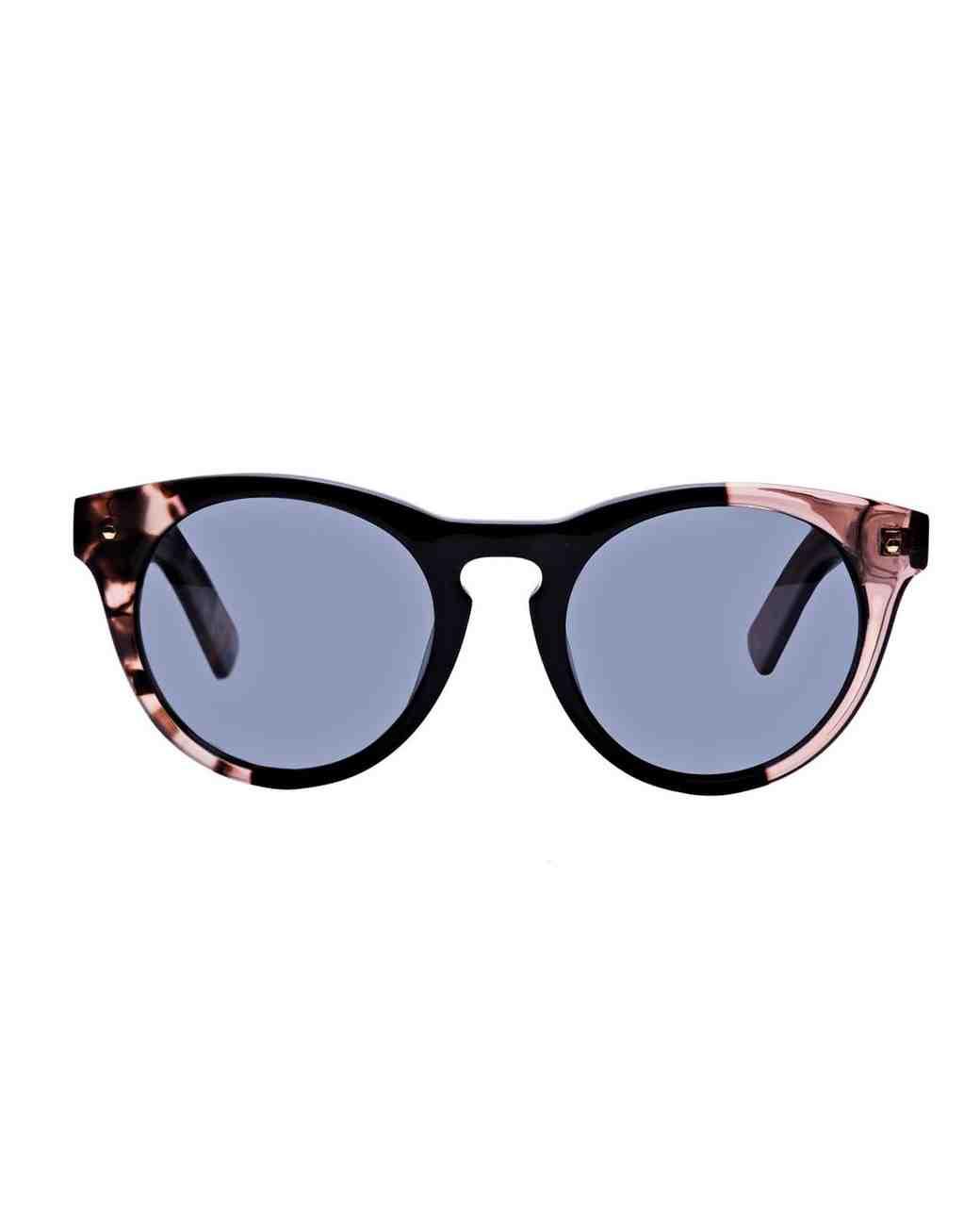 valentines-day-gifts-for-her-bonlook-nola-rose-black-sunglasses-0216.jpg