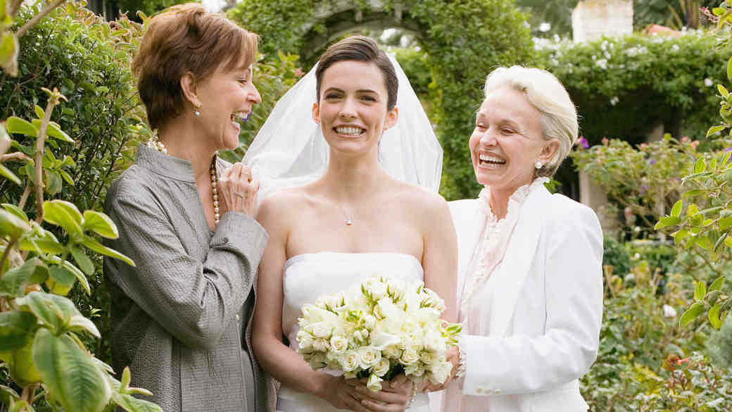 5 Ways to Bond with Your Future Mother-in-Law
