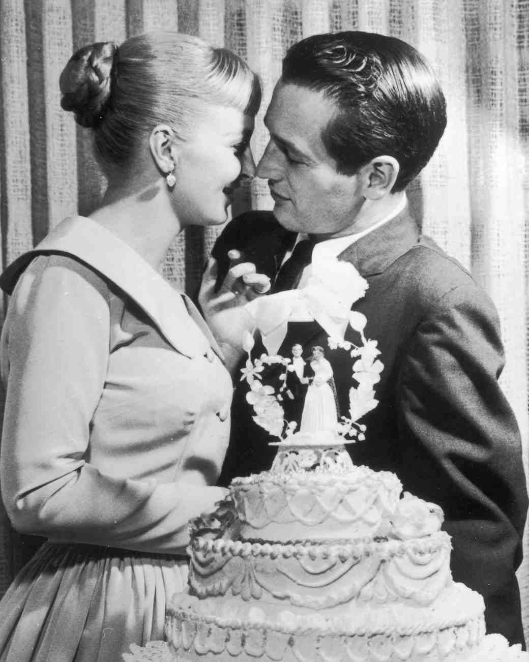 16 Vintage Celebrity Wedding Cakes You've Probably Never ...