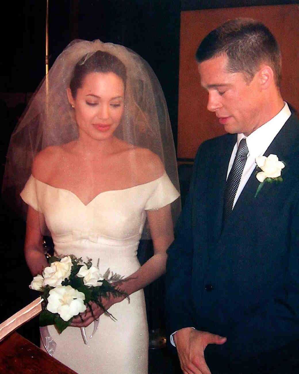 movie-wedding-dresses-mr-and-mrs-smith-angelina-jolie-and-brad-pitt-0316.jpg