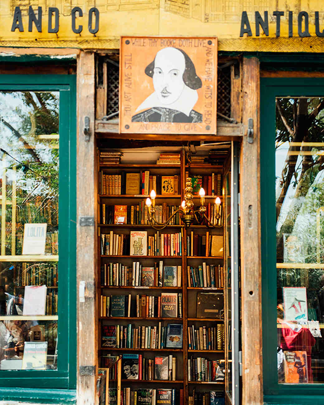 katie-mitchell-photography-where-to-propose-in-paris-shakespeare-co-books-0815.jpg