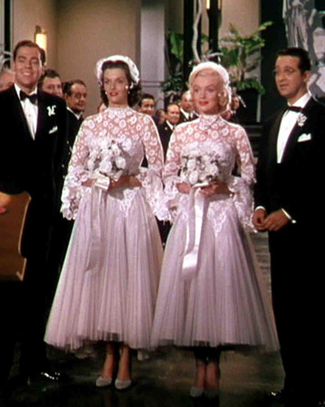 movie-wedding-dresses-gentlemen-prefer-blondes-marilyn-monroe-jane-russell-0316.jpg