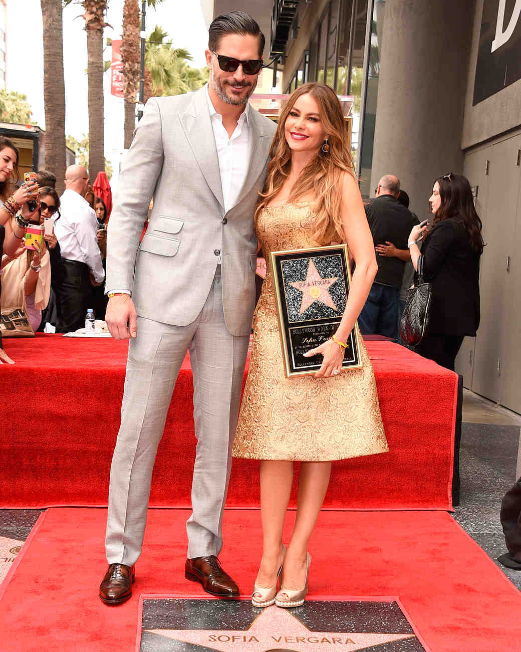 sofia-vergara-red-carpet-star-hollywood-walk-fame-with-joe-gold-romona-keveza-0815.jpg
