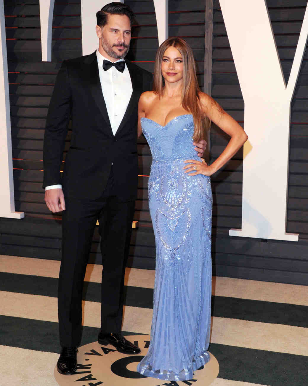 sofia-vergara-red-carpet-vanity-fair-oscar-party-with-joe-powder-blue-zuhair-murad-0815.jpg
