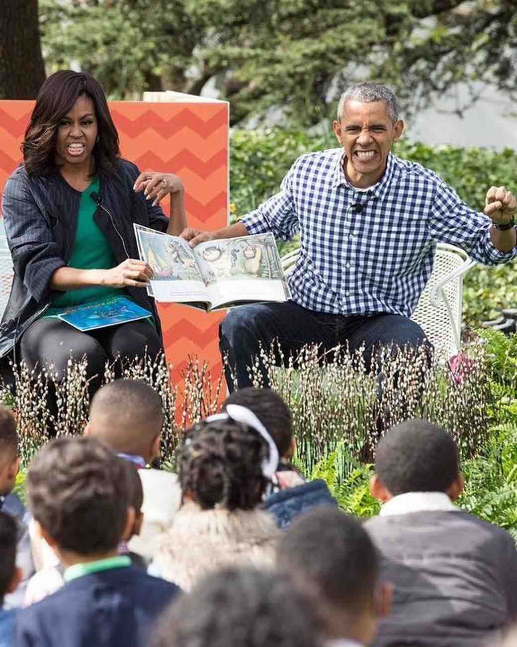 Michelle and Barack Obama Reading to Kids