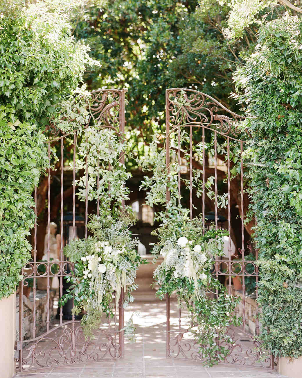 breelayne-hunter-wedding-california-0046-santa-lucia-preserve-fairy-woodsy-organic-gate-s112849.jpg