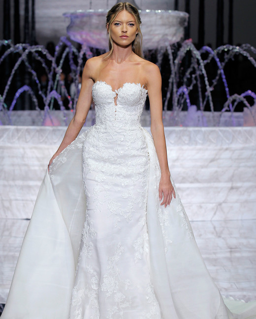 pronovias sweetheart wedding dress spring 2018