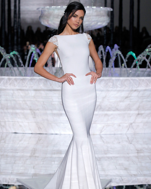 pronovias sleek mermaid wedding dress spring 2018