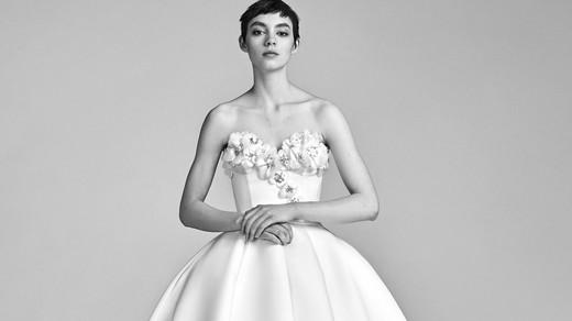Viktor&Rolf Ball Gown Wedding Dress with Sweetheart Neckline Spring 2018