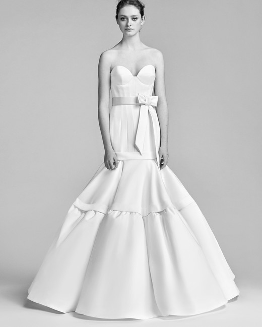 Viktor&Rolf Mermaid Wedding Dress with Sweetheart Neckline Spring 2018