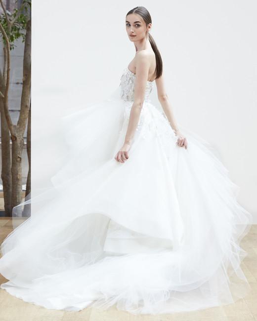 strapless ball gown Oscar de la Renta Spring 2018 Wedding Dress Collection