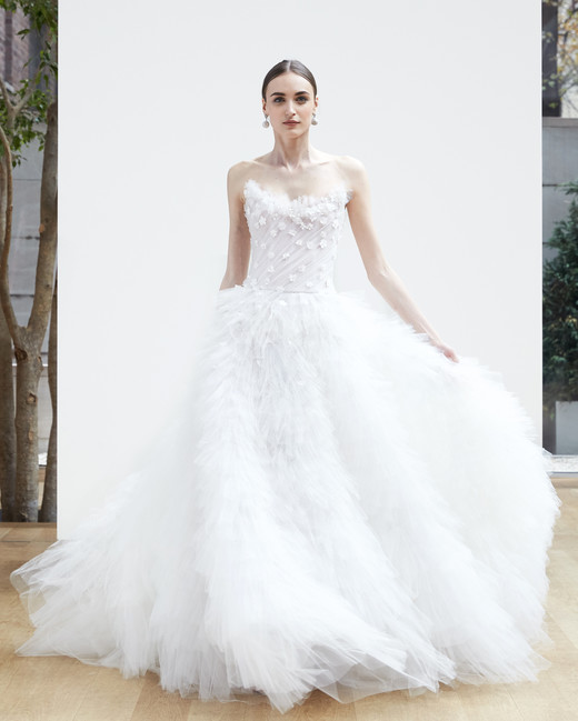 strapless embellishment ball gown Oscar de la Renta Spring 2018 Wedding Dress Collection