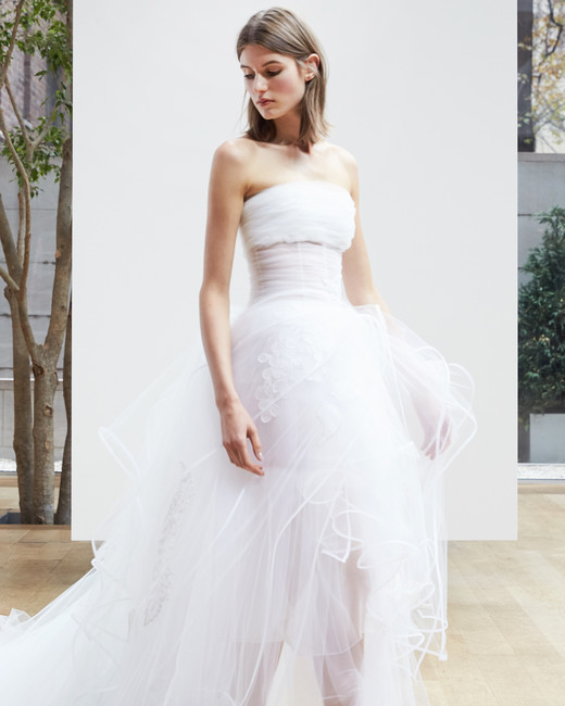 strapless short Oscar de la Renta Spring 2018 Wedding Dress Collection