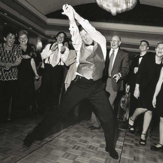 man-dancing-at-wedding-0116.jpg