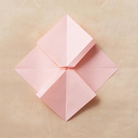 origami-bow-10-205-mwd110795.jpg