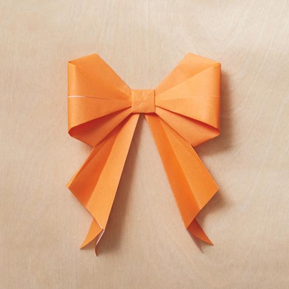 origami-bow-16-224-mwd110795.jpg