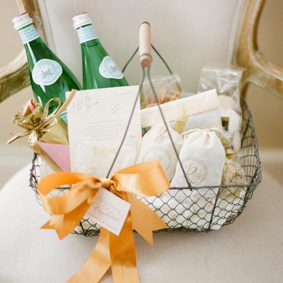 wedding-welcome-basket-bow-0715