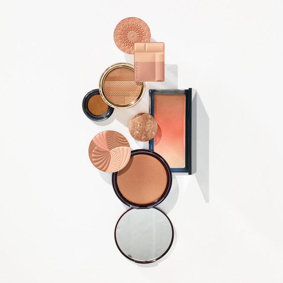 beauty-makeup-bronzer-399-d112929.jpg
