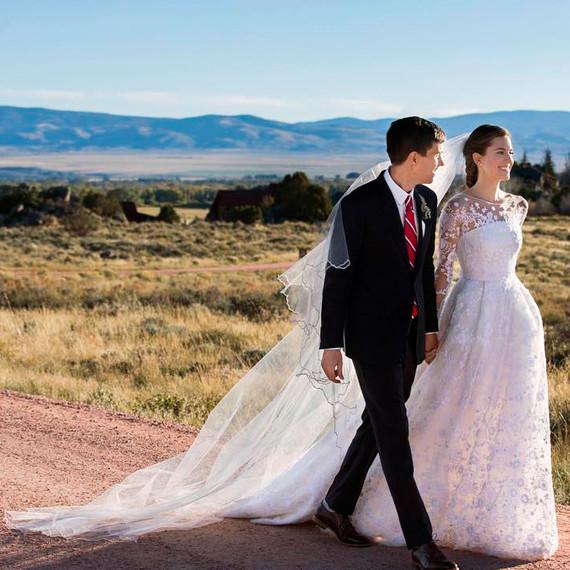 allison-williams-wedding-dress-1015.jpg