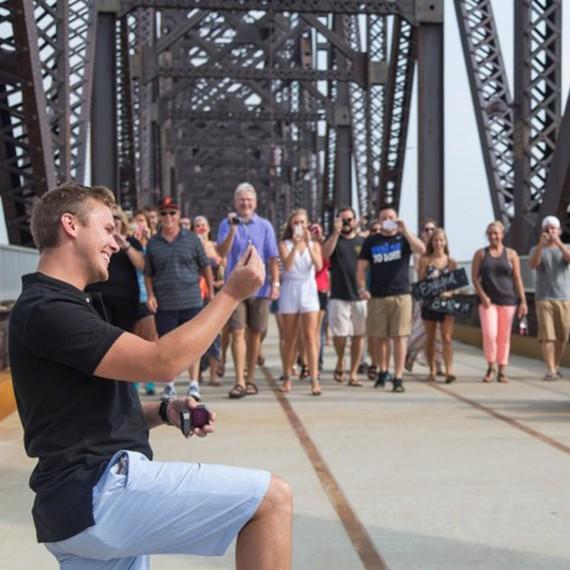 bridge-family-friends-proposal-1215