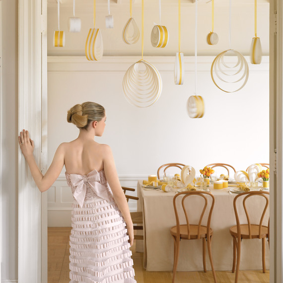 ribbon-bow-diy-mwd103633-ceiling-0515.jpg