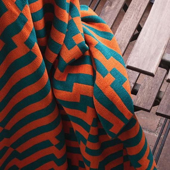 zola-halloween-party-decor-zuzunaga-zoom-blanket-1015