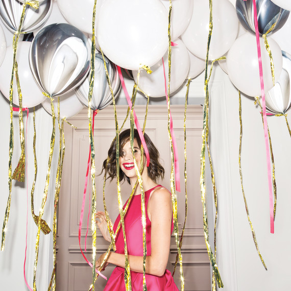 balloons-woman-pink-dress-0247-d111518.jpg