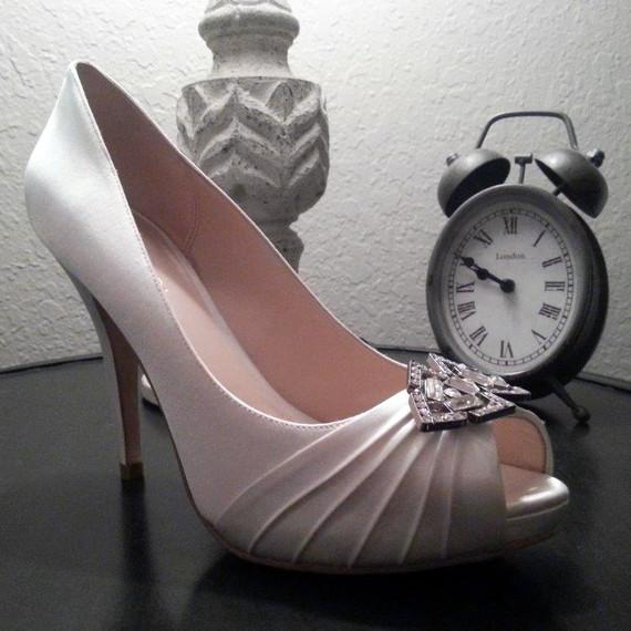 bridalbeautydiaries-lauren-post-10-shoe-1014.jpg